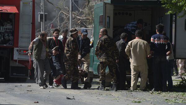 На месте взрыва в Кабуле, Афганистан. 31 мая 2017