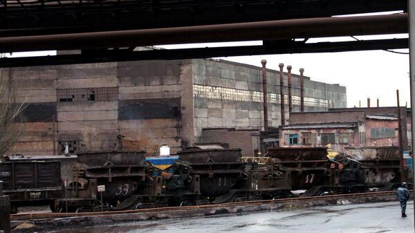 Енакиевский металлургический завод остановил производство из-за железнодорожной блокады Донбасса