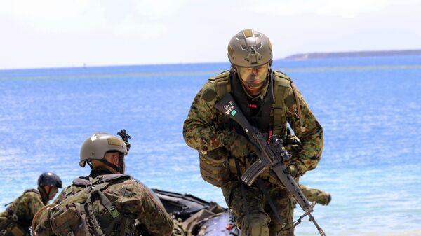 Японские солдаты во время военных учений