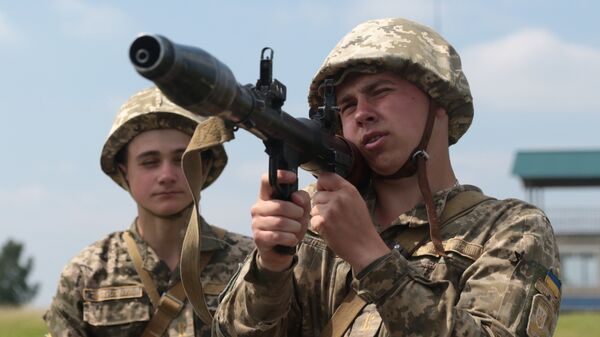 Военнослужащие вооруженных сил Украины во время военных учений на Яворовском полигоне во Львовской области