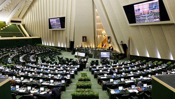 В зале заседаний парламента Ирана. Архивное фото