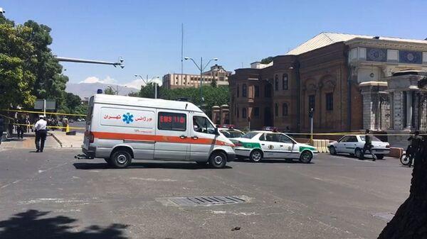 Автомобили скорой помощи в Тегеране. Архивное фото