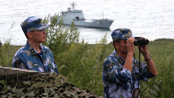 Китайские военные моряки во время российско-китайских военно-морских учениях Морское взаимодействие - 2015