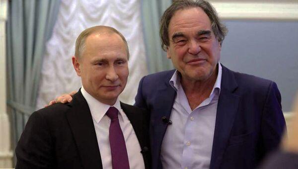 Кадр из фильма американского кинорежиссера Оливера Стоуна Интервью с Путиным. Архивное фото