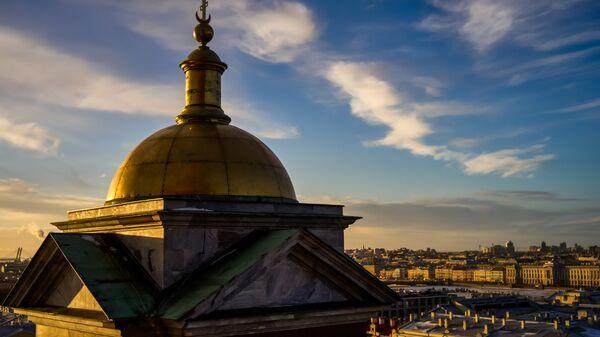 Вид на южную часть Санкт-Петербурга с колоннады Исаакиевского собора. Архивное фото