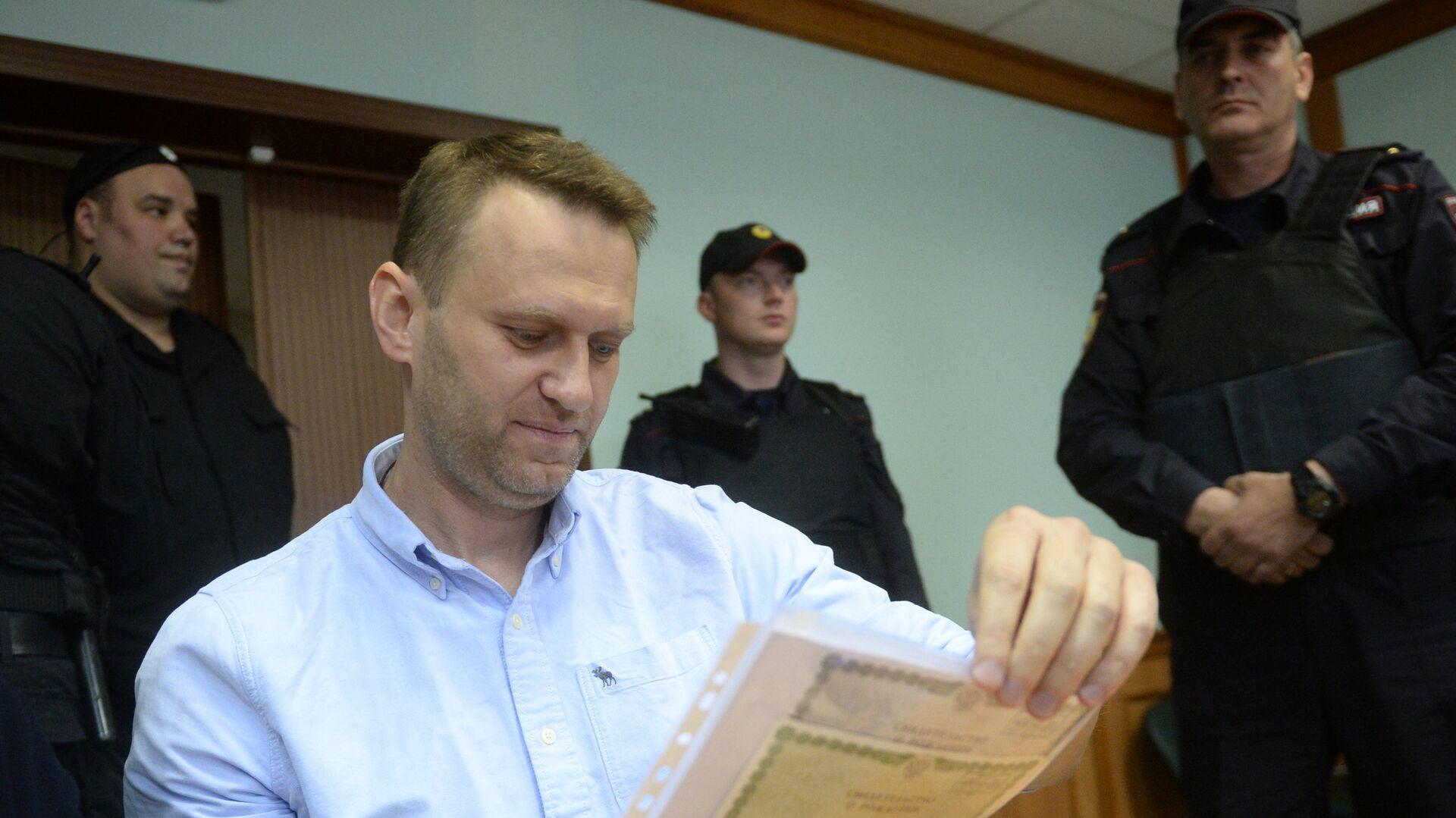 Песков заявил, что Путину не докладывают о каждом деле против Навального