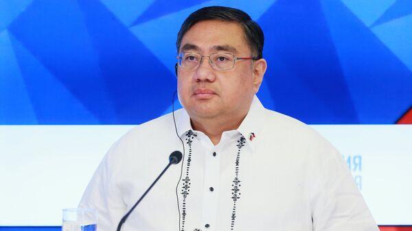 Чрезвычайный и Полномочный Посол Республики Филиппины в Российской Федерации Карлос Соррета