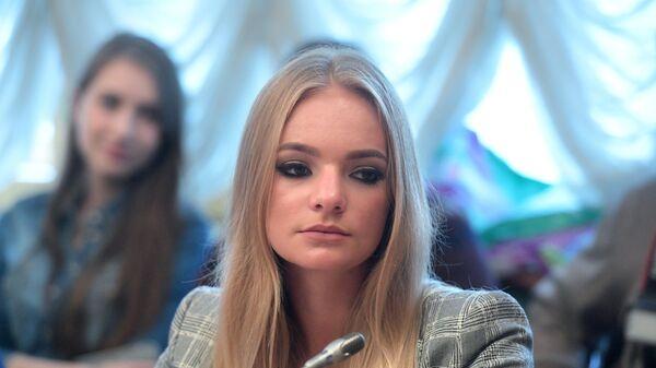 Блогер Елизавета Пескова на заседании Совета блоггеров