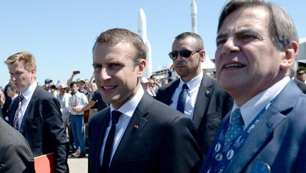 Президент Франции Эммануэль Макрон на Международном авиасалоне Ле Бурже-2017 во Франции