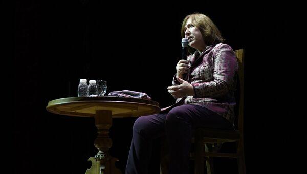 Писательница Светлана Алексиевич в Москве