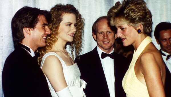 Том Круз, Николь Кидман и Принцесса Диана на премьере фильма Далеко-далеко в Лондоне