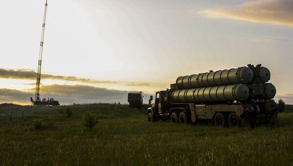 Зенитные ракетные комплексы С-300 Фаворит. Архивное фото