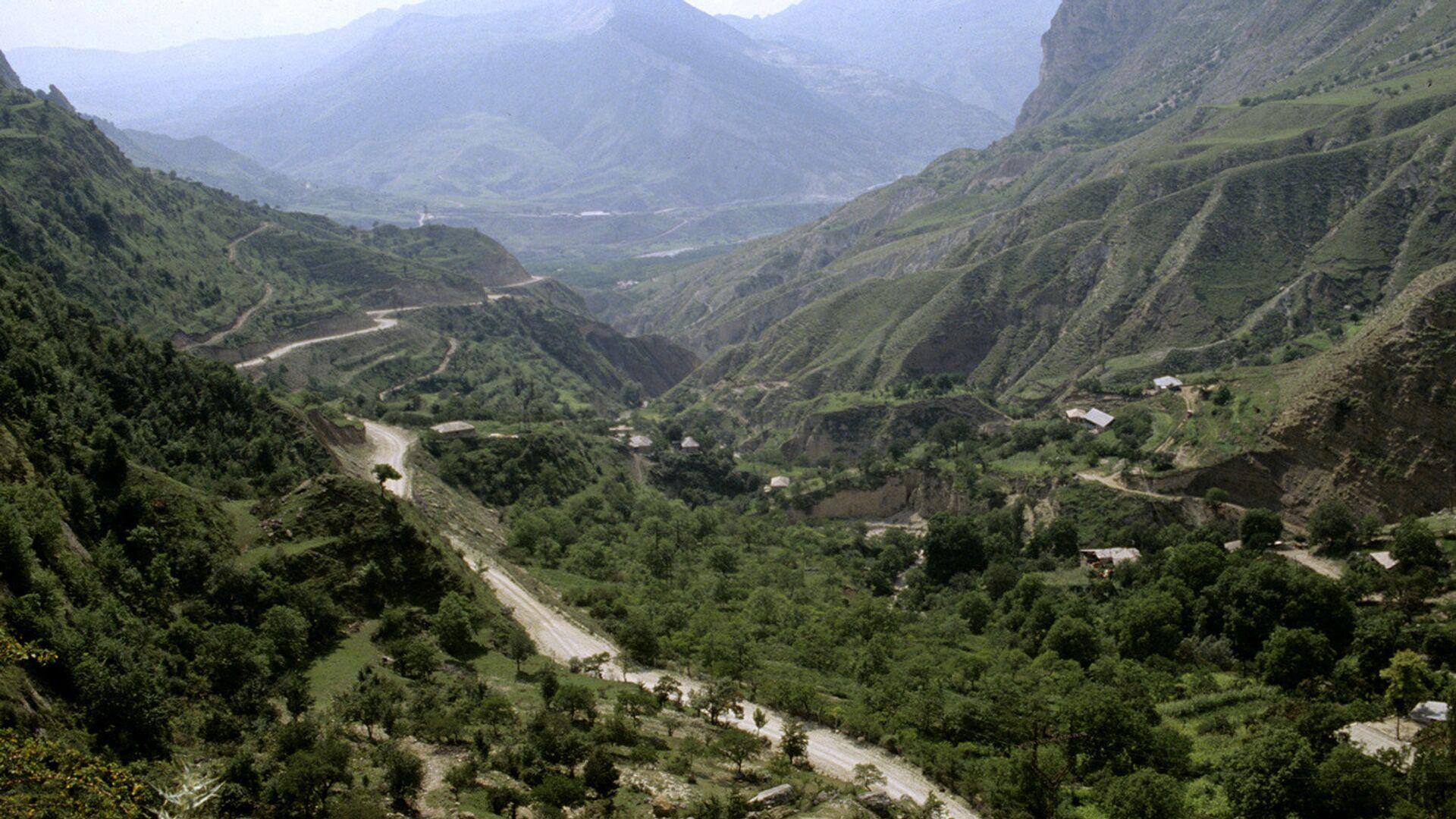 В Дагестане десятки тысяч человек остались без электроснабжения