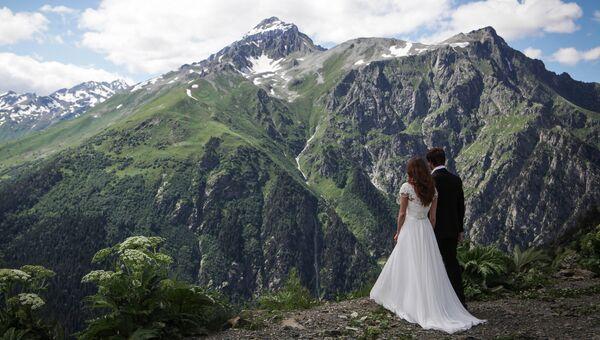 Свадьба на всесезонном горном курорте Домбай