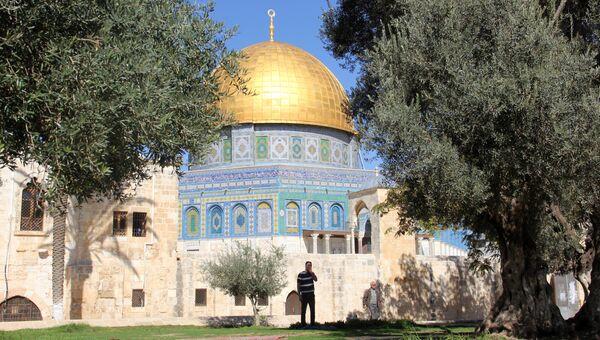 Мечеть Куббат-Ас-Сахра (Купол Скалы) на Храмовой горе в Иерусалиме. Архивное фото