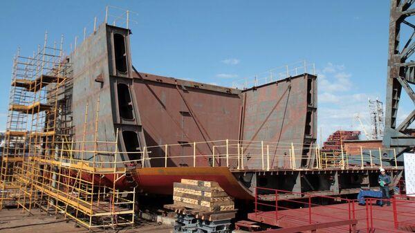 ВПетербурге начали строить арктическую платформу «Северный полюс»