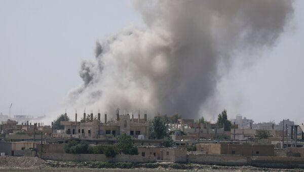 Дым над Раккой. Архивное фото