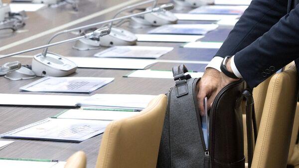 Чиновник перед совещанием