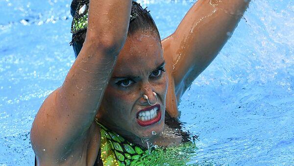 Она Карбонель (Испания) в соревнованиях по синхронному плаванию на чемпионате мира FINA 2017