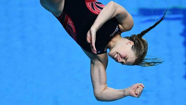 Грейс Рид и Кэтрин Торранс (Великобритания) в финальных соревнованиях по синхронным прыжкам в воду с трамплина 3 м среди женщин на чемпионате мира FINA 2017
