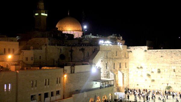 Храмовая гора с Стена плача в Иерусалиме