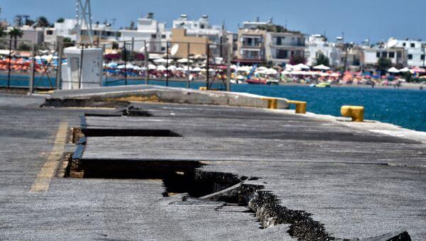 Последствия землетрясения в порту острова Кос в Греции. 21 июля 2017