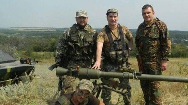 Вадим Погодин (крайний справа)