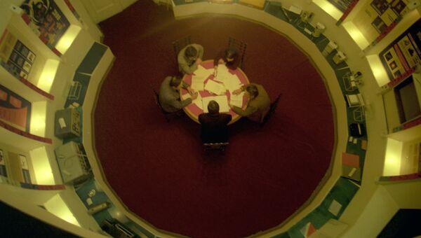 В зале музея Всесоюзного научно-исследовательского института метрологии имени Д.И. Менделеева