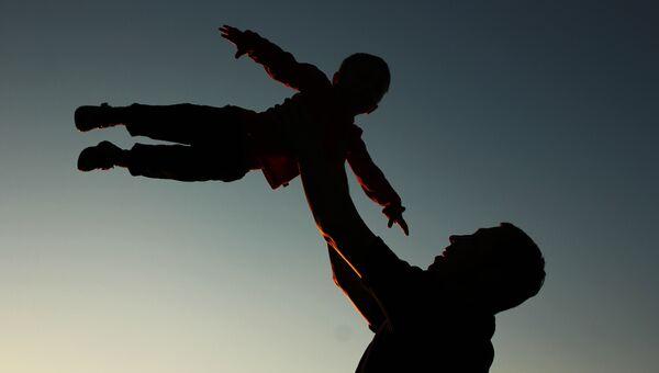 Отец и сын. Архивное фото
