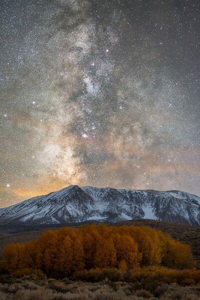 Работа фотографа Brandon Yoshizawa Fall Milk, вошедшая в шорт-лист Insight Astronomy Photographer of the Year 2017