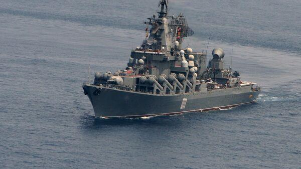 Гвардейский ракетный крейсер ВМФ РФ Варяг. Архивное фото