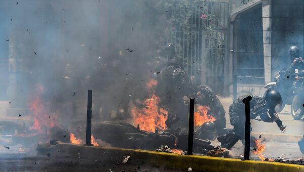 Врыв на улице Каракаса в день выборов в Венесуэле. 30 июля 20107
