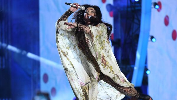 Певица Лолита Милявская на международном музыкальном фестивале ЖАРА в Баку