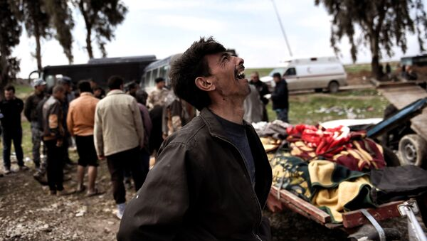 Родственник погибших в результате авиаудара против  ИГ (группировка Исламское государство, запрещена в РФ) жителей Мосула. 17 марта 2017