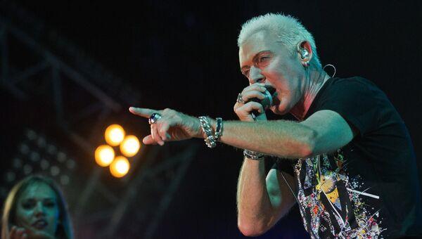Солист немецкой группы Scooter Эйч Пи Бакстер выступает на музыкальном фестивале ZBFest в Балаклаве. 5 августа 2017