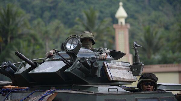 Филиппинские военнослужащие на окраине Марави