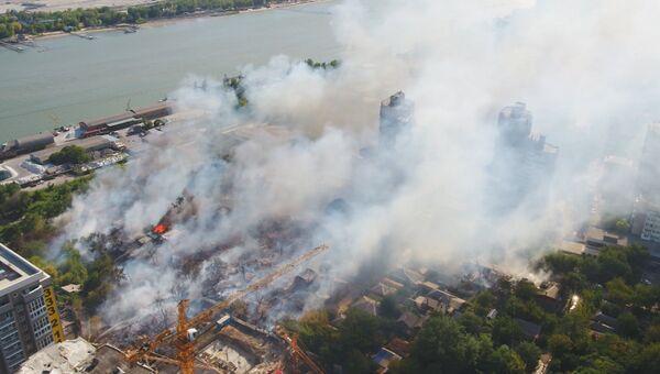 Бушующий огонь и усилия пожарных: ликвидация возгорания в Ростове-на-Дону