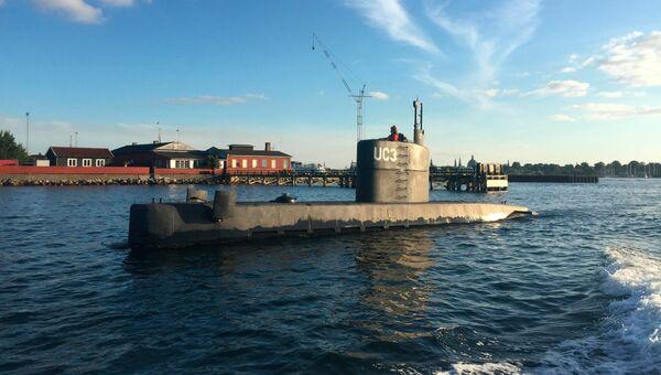 Частная подлодка Nautilus в гавани Копенгагена. архивное фото