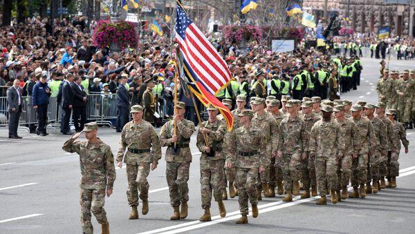 Военнослужащие США на параде в честь Дня независимости в Киеве. Архивное фото