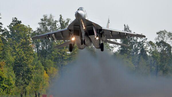 Самолет МиГ-29 ВВС Беларусии в ходе подготовки к совместным учениям вооруженных сил России и Белоруссии Запад-2017