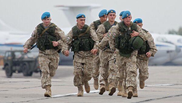 Российские военнослужащие во время учений Запад