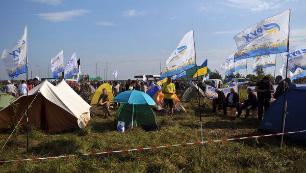 У пункта пропуска Краковец на украинско-польской границе. 10 сентября 2017