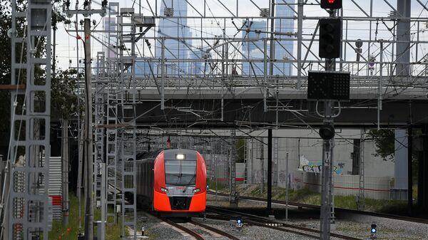 Поезд Ласточка на Московском центральном кольце. Архивное фото