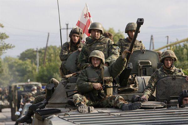 Грузинские военнослужащие в окрестностях Цхинвали