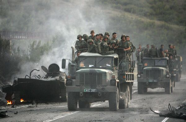 Грузинские солдаты в окрестностях города Гори