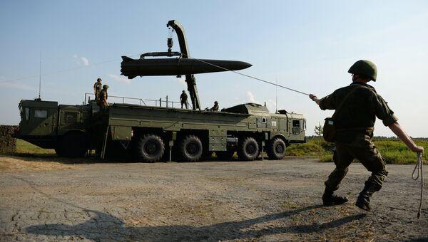 Развёртывание оперативно-тактического ракетного комплекса Искандер-М. Архивное фото