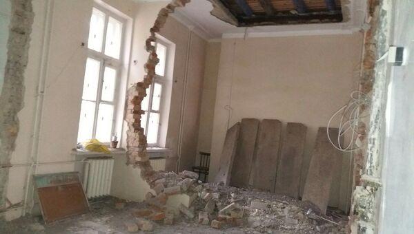 Стена в детской поликлиники в городе Озерск Челябинской области. 21 сентября 2017
