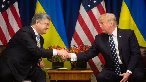 Петр Порошенко и Дональд Трамп на Генеральной Ассамблее ООН в Нью-Йорке. 21 сентября 2017