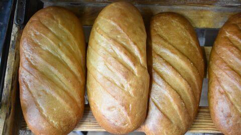 Батоны белого хлеба