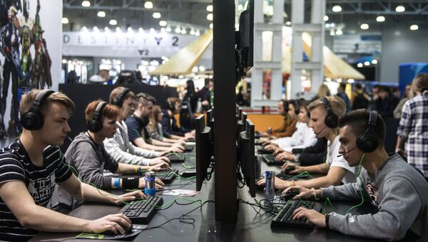 Посетители на выставке ИгроМир 2017 и фестивале Comic Con Russia 2017 в Москве